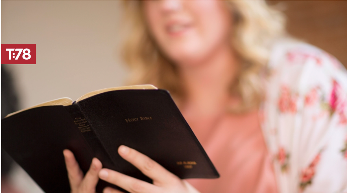 Four Compelling Reasons to Use a Printed Bible When Teaching
